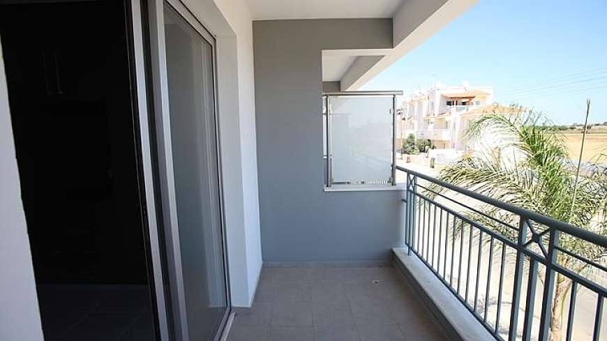**SPECIAL OFFER** REDUCED FROM €155,000 NOW €140,000 - 2 bedroom townhouse in Paralimni with TITLE DEEDS