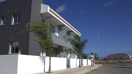 2 bedroom townhouse in Paralimni with TITLE DEEDS